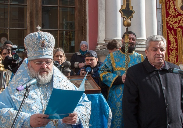 http://www.russkoedelo.org/novosti/2013/images/april/NazariiAndKitchezhdiAtWorship.600.jpg